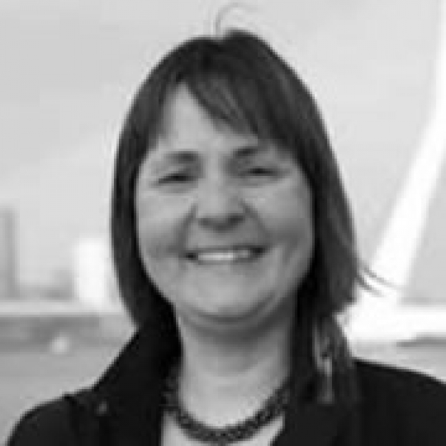 Petra Otten studeerde in 1993 af in Nederlands Recht aan de Erasmus Universiteit te Rotterdam. Zij heeft gewerkt bij corporate organisaties zoals Randstad, ... - 71ab1197965a26d2e4379f8b23c36ebb_XL
